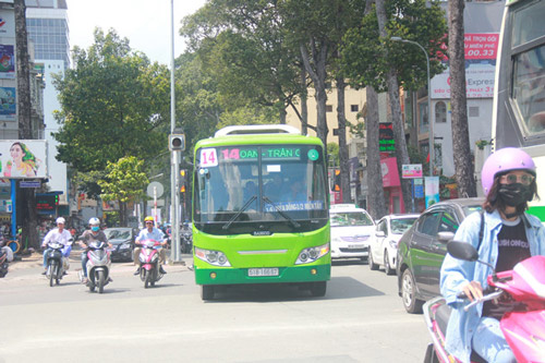 xe buýt đi bệnh viện nhi đồng 2
