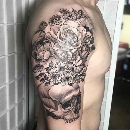 hình xăm hoa ở ngực nam