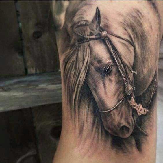hình xăm ngựa chiến
