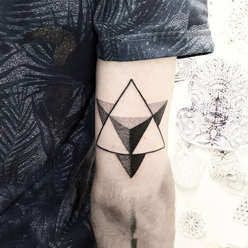 hình xăm tam giác 3d