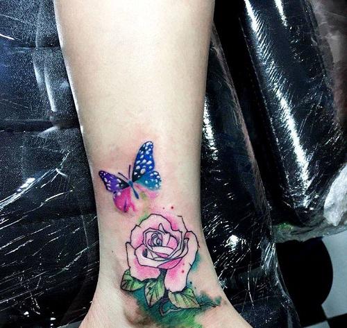 hình xăm bướm ở cổ chân