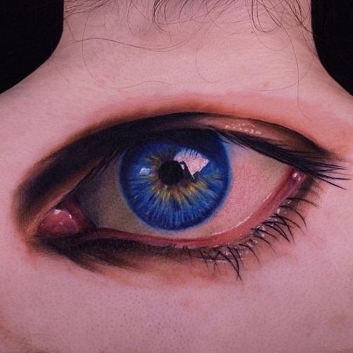 hình xăm con mắt sau gáy