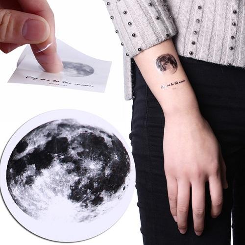 hình xăm mặt trăng ngôi sao