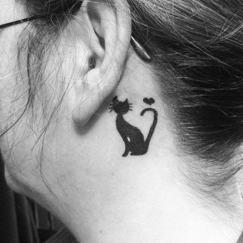 hình xăm mèo sau tai