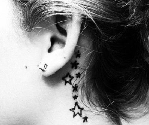 hình xăm mini ở sau tai