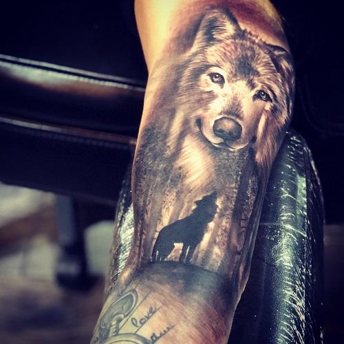 xăm hình chó sói