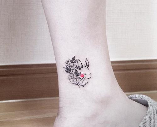 hình xăm nữ ở cổ chân